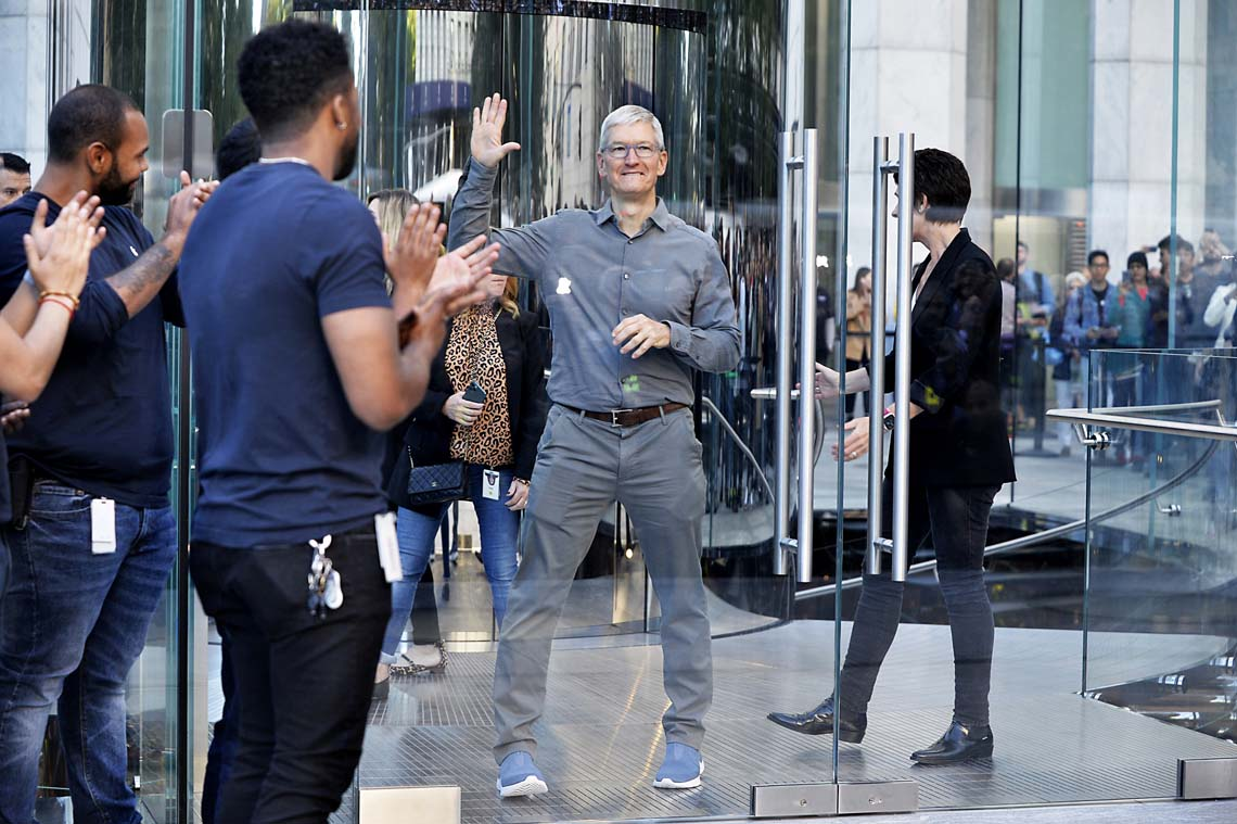 092019appleopening10MATT